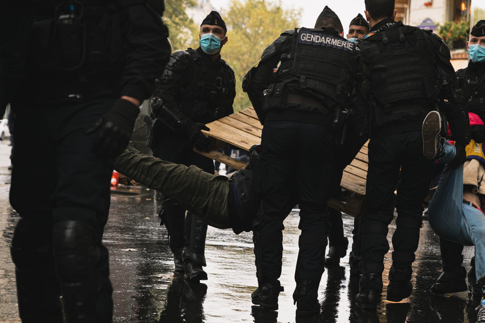 "Rebels ""violently resisting"" arrest according to French police."