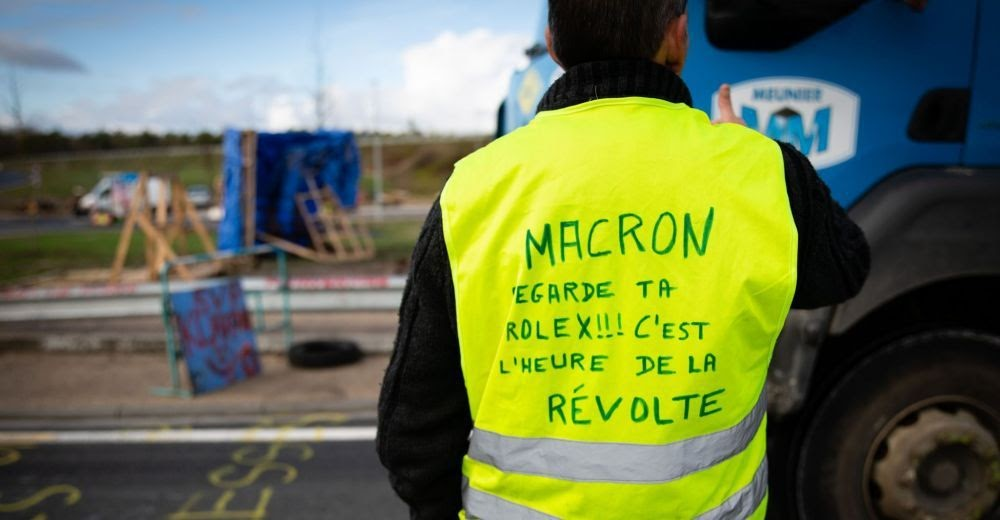 Gilet Jaunes roadblock.