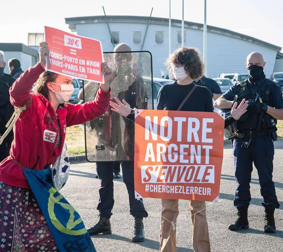 French rebels demonstrating